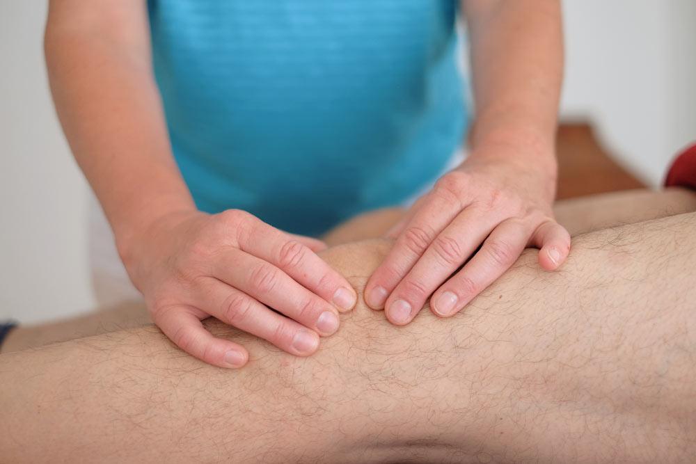 osteopathische Anwendung am Knie